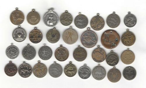 B23. LOT OF 32 JEWELRY CHARMS, TRINKETS, ASTROLOGICAL, WHAT