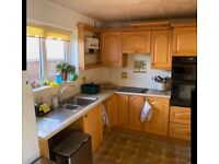 COMPLETE 20 CUPBOARD SOLID OAK KITCHEN WITH ALL APPLIANCES