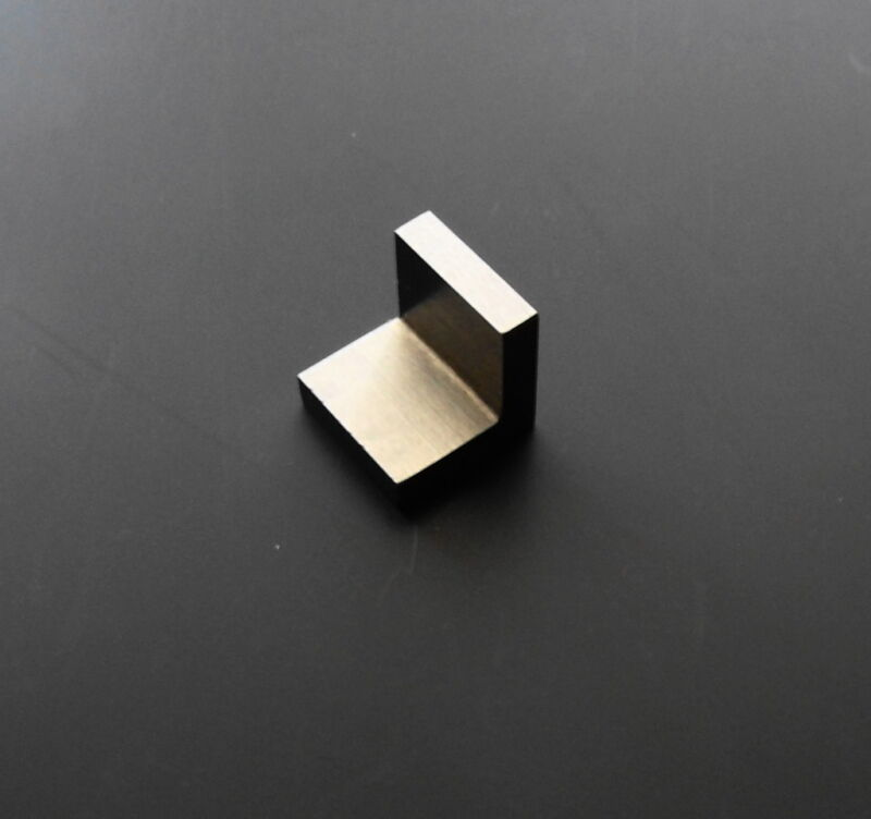 MINIATURE HIGH PRECISION ANGLE PLATE - for Punchmaster, Harig v-block or similar