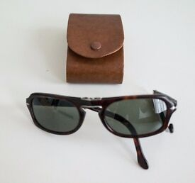 Persol Folding Sunglasses and Case Excellent Condition £50