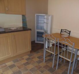 STUDENT HOUSE 1ST JULY 17 2 BED HOUSE NEWPORT ST RUSHOLME FREE INTERNET INCLUDED £65 x 2 PER WEEK
