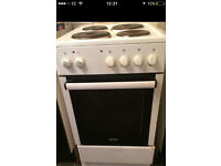 Electric cooker with built in grill oven