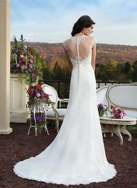 Gorgeous Sincerity 3802 wedding dress - Size 12 and dry cleaned RRP £850