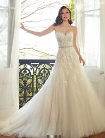 Sophia Tolli wedding dress: Prinia wedding dress altered to fit size 10/12. A line / sweetheart.