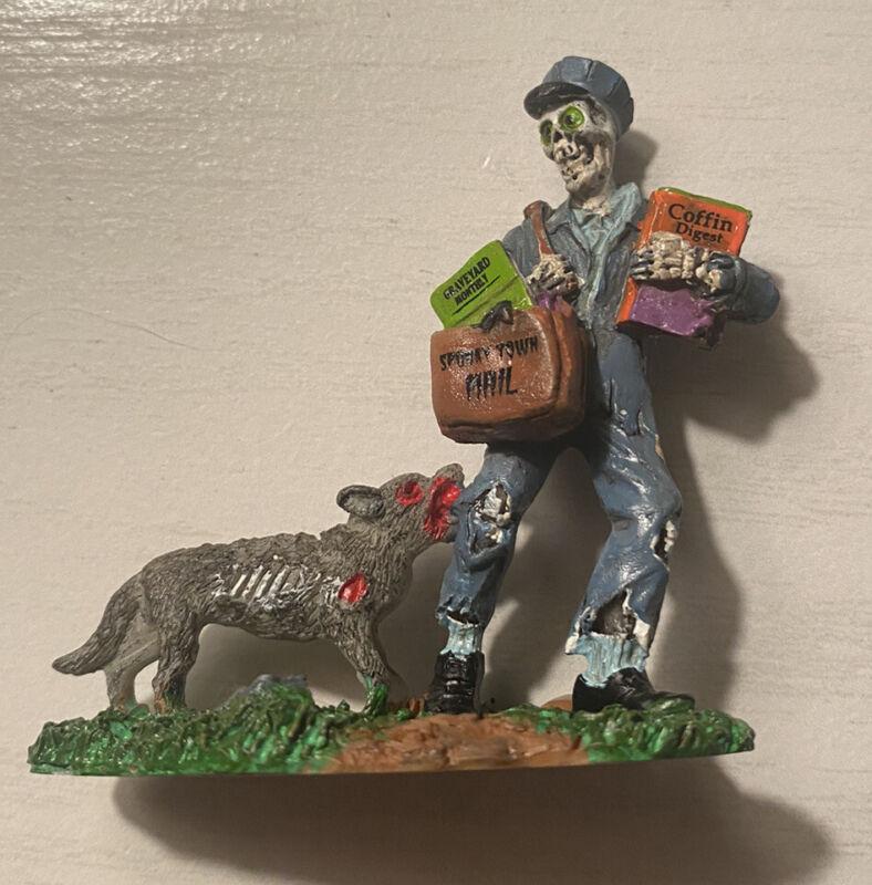 LEMAX SPOOKY TOWN - Spooky Mailman #02761 (2010) HTF
