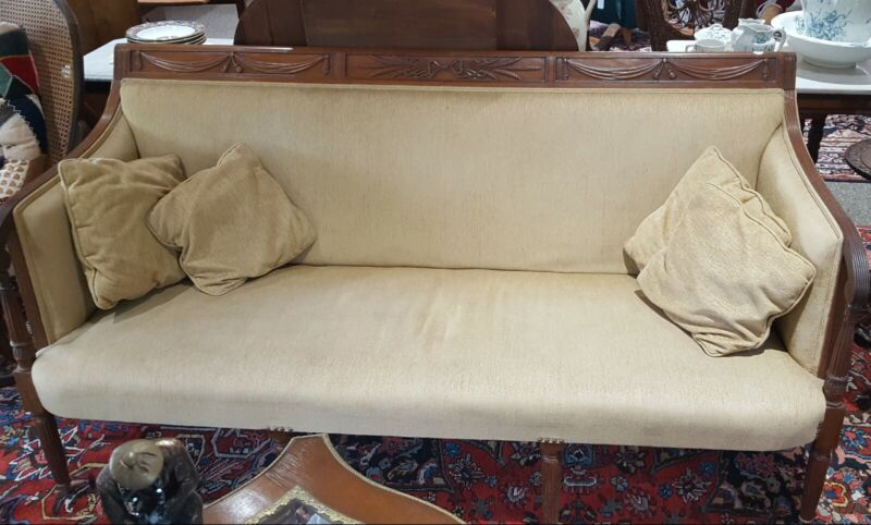 ANTIQUE FEDERAL PERIOD SOFA 1800 -1850 ♡ CARVED MAHOGANY ♡ FABULOUS CONDITION
