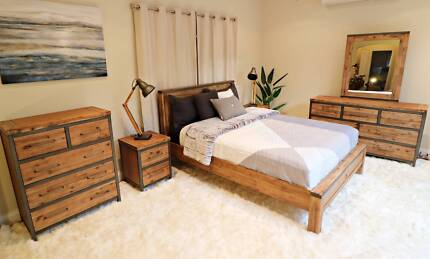 Contemporary Hardwood Colorado Style 4pc Bed Suite - Brand New