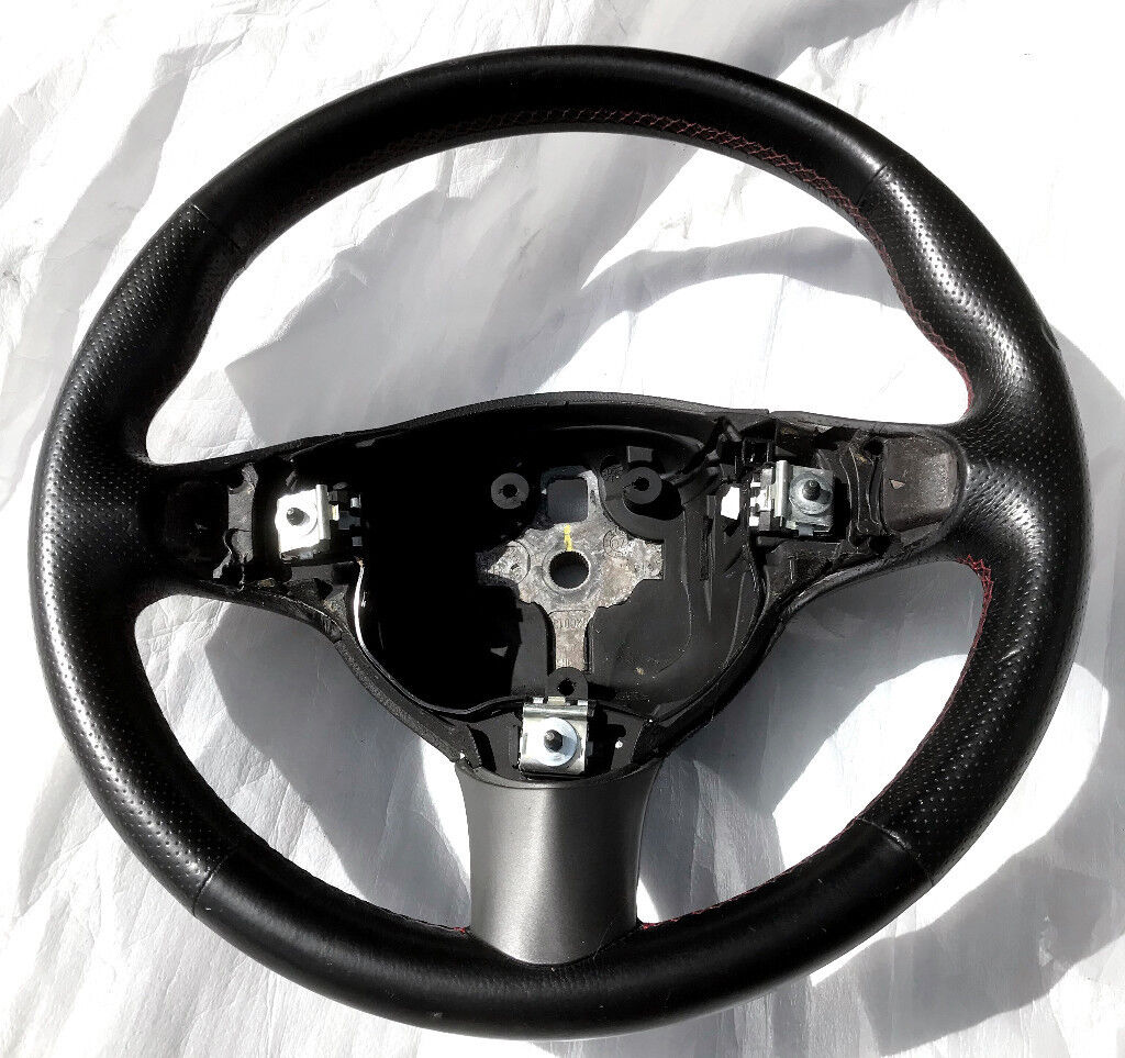 Alfa Romeo GT / 147 Blackline Steering Wheel