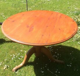 Round Table - Solid Pine