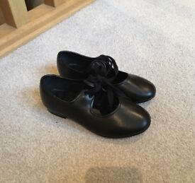 Tap Dancing Shoes Child Size 11 Lovely Condition