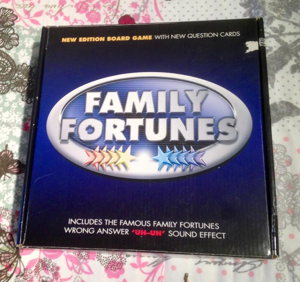 FAMILY FORTUNES Britannia New Edition Board Game With