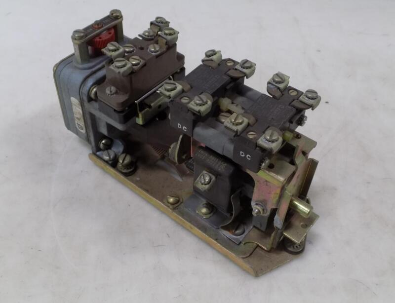 SQUARE D SERIES E PNEUMATIC TIMING RELAY 9050 BO-3D