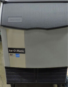 UNDERCOUNTER COMMERCIAL ICE MAKER