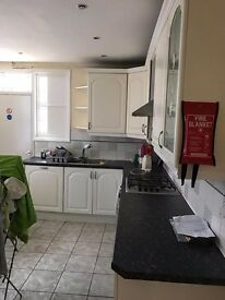 Offering double and single bedroom in Leyton / Leytonstone