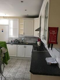 Offering double bedrooms in Leyton