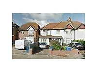 LOVELY DOUBLE BEDROOM IN WHITCHURCH LANE, EDGWARE, HA8 6NZ
