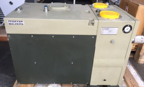 Pfeiffer Balzers Duo 250A Dual Stage Rotary Vane Vacuum Pump with No Motor