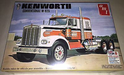 AMT Kenworth W925 Conventional Tractor 1/25 scale truck model kit new 1021