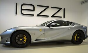 Ferrari 812 Superfast, Carbon Race Seat, Lift, LED, Bags