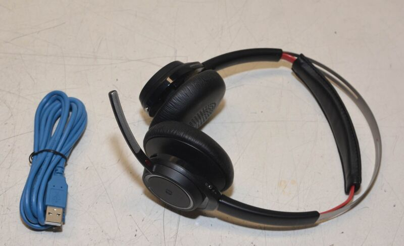 Plantronics Voyager Focus Uc Wireless Bluetooth Headset W Cable 17229139688 Ebay