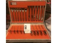 Arthur Price Cutlery Set