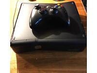 Xbox 360 slim + controller