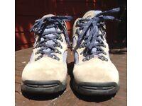 Ladies Hi-tec walking boots