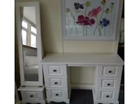 New white dressing table with standing mirrror