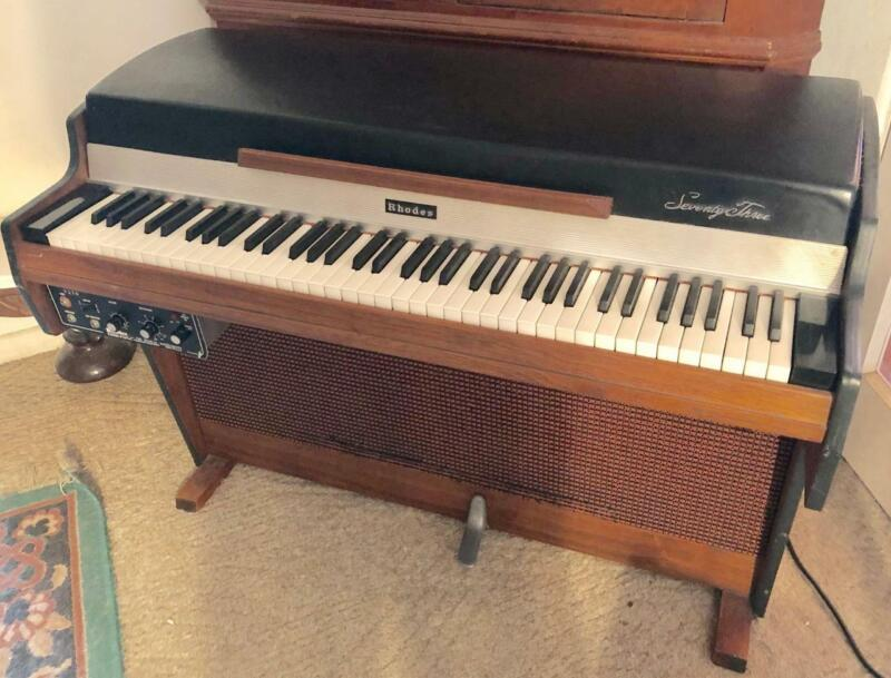 VINTAGE 1972 FENDER RHODES 73 MKC-1 ELECTRIC  PIANO STUDENT / HOME W/ METRONOME