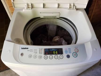 Large 8.5kg L.G Fuzzy Logic top load washing machine