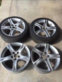 Lexus IS200/300 17in alloy wheels with tyres.
