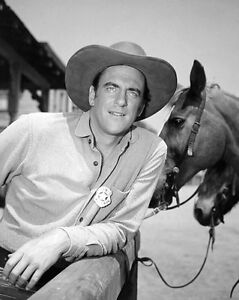 James-Arness-Marshall-Matt-Dillon-Gunsmoke-11-x-14-Photo-Picture-Poster