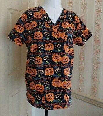 Medical Halloween Pumpkin (Scrub Top Medium EUC Halloween Pumpkin print JUST LOVE nursing medical vet tech)