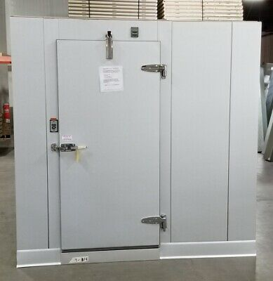 10 X 10 X 8 Walk-in Freezer Made W 100 Made Materials...only 8240
