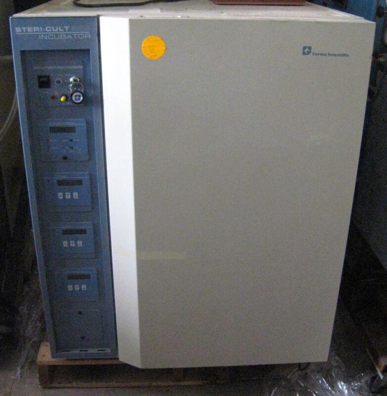 Forma Scientific CO2 Incubator Model 3860, Steri-Cult 200