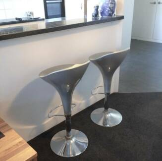 2 x Bar Stools - Silver / Chrome with Gas Lifts - Great Cond