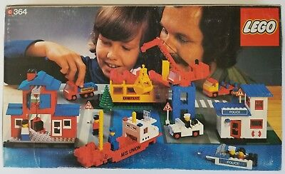 Lego 364 Vintage Harbor Scene - Complete with Box and Instructions - 1970's