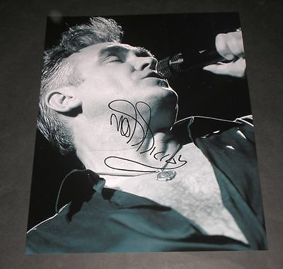 """MORRISSEY PP SIGNED 10X8"""" PHOTO REPRO THE SMITHS"""