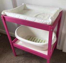 Baby changing table + Bath & Accessories