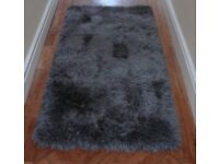 brand new 150 x 80 cm rug dark grey