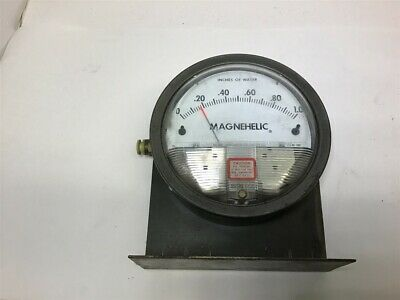 Dwyer Magnehelic 2001 Pressure Gauge 0-1.0 Inches Of Water
