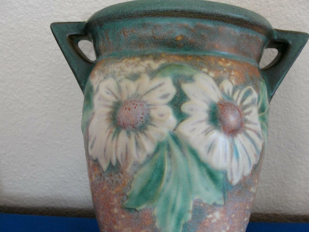 "Roseville Art Pottery Dahlrose Wall Pocket #1258-8"""