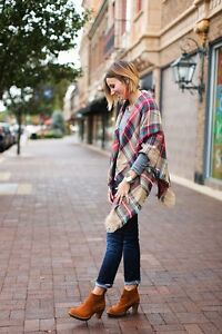 PLAID BLANKET SCARF-EXCELLENT CONDITION!