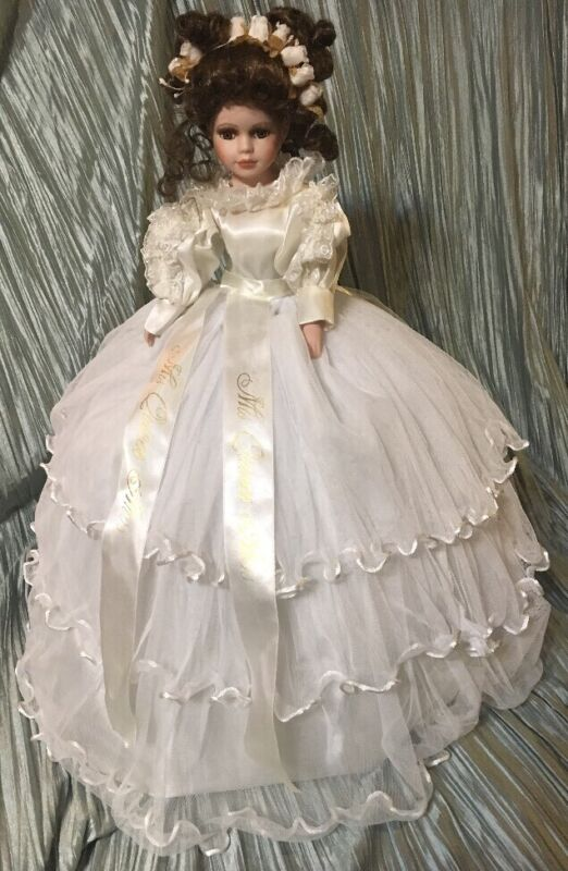 """Miss Quince Anos Sweet 15 Spanish Porcelain Umbrella 28"""" Beutiful Doll"""