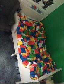 Adjustable length kids bed