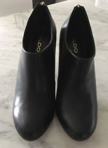 ALDO LEATHER ANKLE BOOTIES-LIKE NEW!