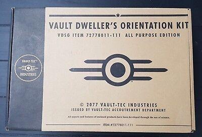 Vault Dweller's Orientation Kit   Complete   Very Good Condition (Konsole Vault)
