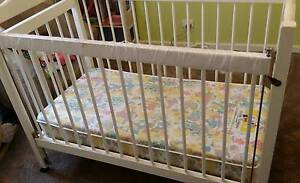 Cot for baby/toddler/young child in good working condition Bulleen Manningham Area Preview
