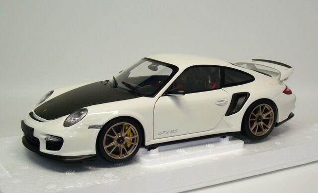 Porsche 911 GT2 RS 997/II 2011 - weiß weiss white - Minichamps 100069400 - 1:18
