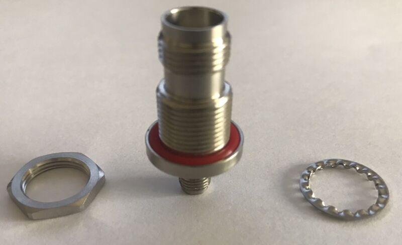 R191.314.700 R191314700(Cross) Bulkhead Adaptor SMA Female TNC DC-11 GHz Female